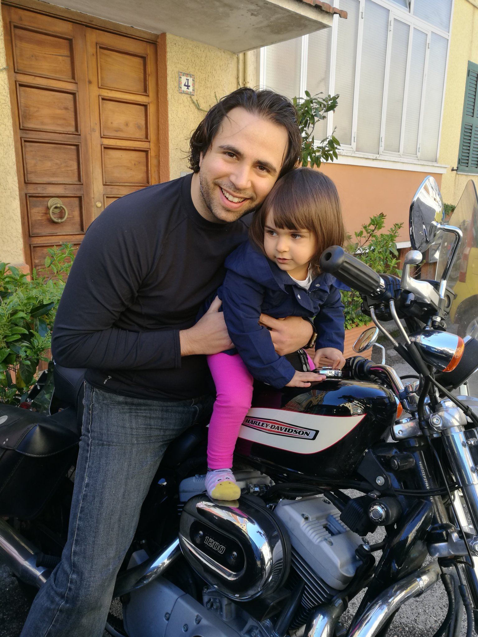 Io-Sofi-Harley-2