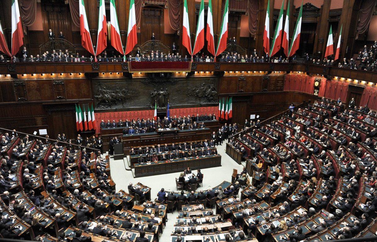 Parlamentarismo o antiparlamentarismo?